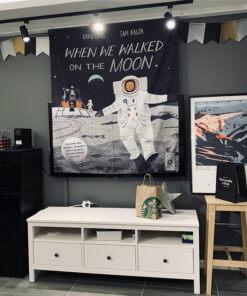 Astronaut tiktok pozadina za snimanje slikanje upazi shop online kupovina